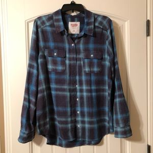 Mossimo Button Up Shirt